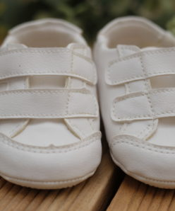 Sapato Infantil masculino om Velcro infantil Menino Branco Batizado